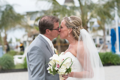 Wedding portrait kiss beach wedding