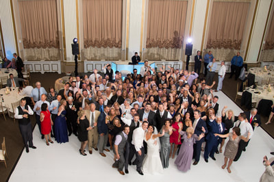 Group photo at Philadelphia wedding